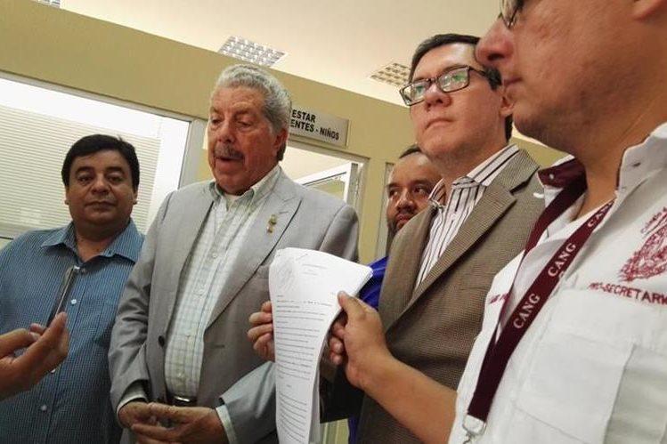 La Junta Directiva del Colegio de Abogados presentó un amparo en contra de la SAT. (Foto Prensa Libre: Glenda Sánchez)