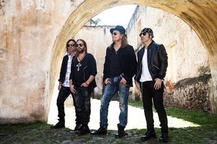 Maná realiza con ilusión la gira Cama Incendiada Tour.  (Foto Prensa Libre: Warner Music)