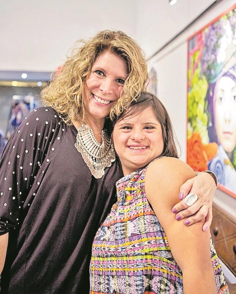 Isabella ha recibido el apoyo incondicional de su madre, Isabel de Springmuhl. (Foto Prensa Libre: Tomada de Facebook)
