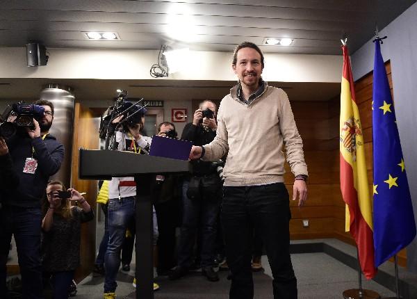 El líder del partido de izquierda radical Podemos, Pablo Iglesias, tendió la mano a los socialista.