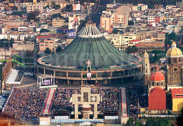 La Basílica de Guadalupe construida en 1976 se encuentra en el cerro del Tepeyac. (Foto: Hemeroteca PL)