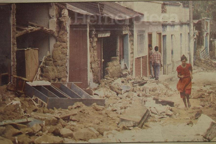 Daños causados por terremoto en San Miguel Pochuta. (Foto: Hemeroteca PL)