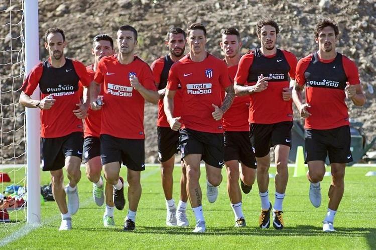 Los jugadores del Atlético de Madrid en la pretemporada del equipo. (Foto Prensa Libre: EFE)