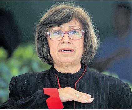 Rosa Pacheco asegura que recibió presiones para que realizara compras, pero el ministro cuestiona su omisión de denuncia ante el MP. (Foto Prensa Libre: Hemeroteca PL)
