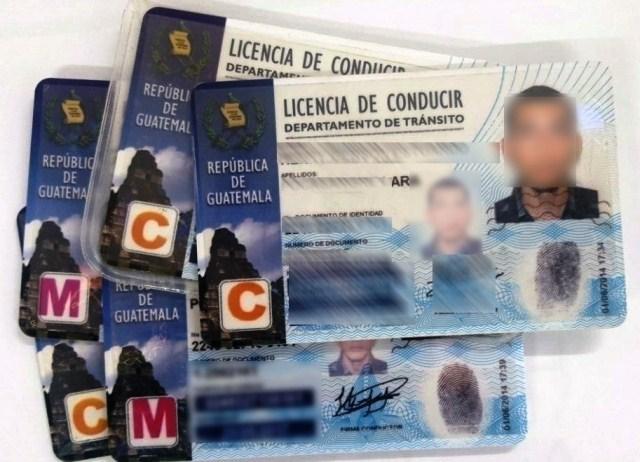 El Departamento de Tránsito anuló 155 licencias de conducir que fueron emitidas del 23 al 31 de mayo en el centro de evaluación de la zona 18. (Foto Prensa Libre)