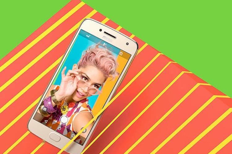 """Las imágenes de los nuevos dispositivos de Motorola, propiedad de Lenovo, fueron publicadas """"por error"""" en internet y ya han sido divulgadas por varios portales tecnológicos. (Foto Prensa Libre: Xataka)."""