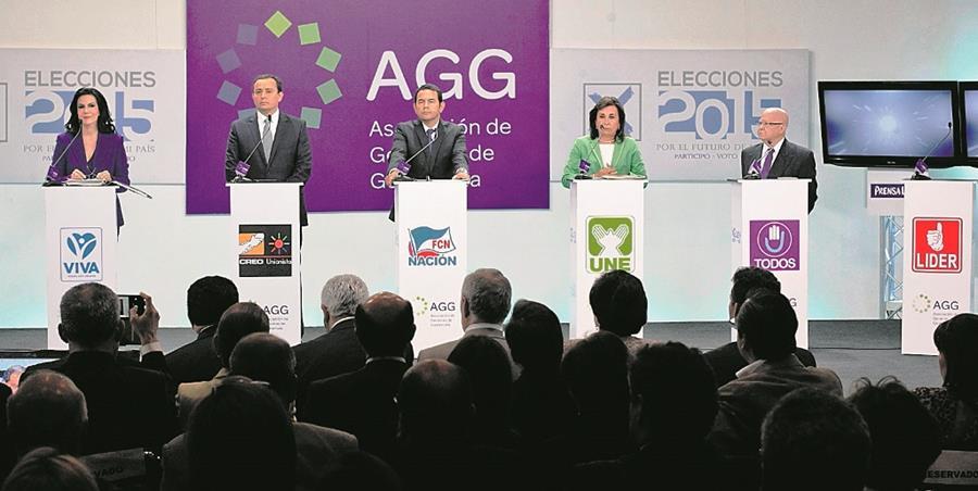 Expertos consultados señalan que este hundimiento de las agrupaciones políticas muestra la fragilidad y la crisis institucional del sistema. (Foto Prensa Libre: Hemeroteca PL)