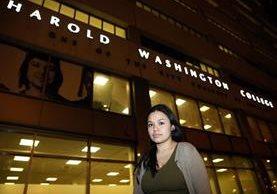 La mexicana Nancy Villa vive en Chicago, EE. UU. país al que fue llevada ilegalmente cuando era niña. (Foto Prensa Libre: AP).