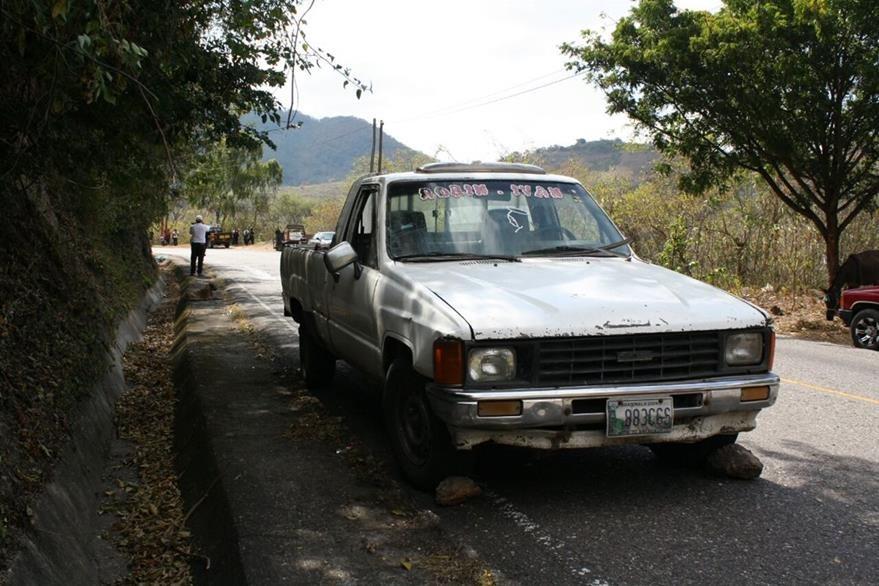 Vehículo implicado en accidente de tránsito ocurrido en la ruta de El Progreso a Jalapa. (Foto Prensa Libre: Héctor Contreras)