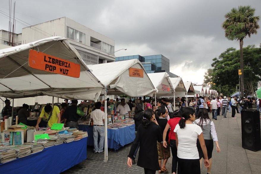Los libros y la literatura tendrán una oportunidad de compartir con sus lectores en la Feria Municipal del Libro. (Foto Prensa Libre: Hemeroteca PL)