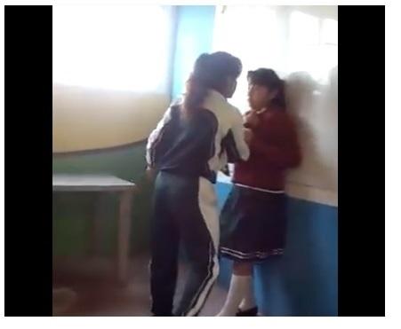 Toma del video sobre supuesto acoso escolar de parte de excandidata a Miss Teen Cobán.