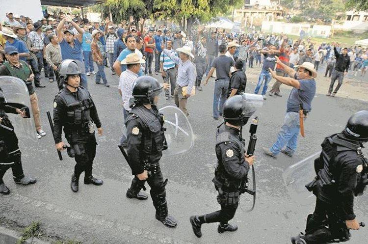 Las operaciones de la Mina San Rafael han causado enfrentamientos entre vecinos de Casillas, Santa Rosa, y agentes de la Policía Nacional Civil. (Foto Hemeroteca PL)