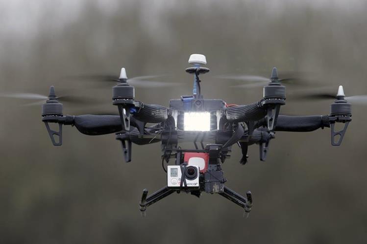 Nueva tecnología permitiría ubicar a operadores de drones no autorizados.