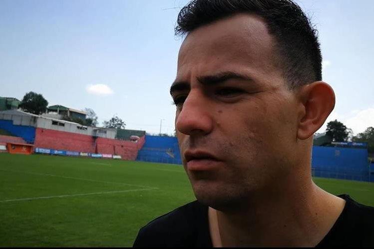 Marco Pappa,volante rojo, confía en que Municipal logre avanzar a la final del Clausura. (Foto Prensa Libre).