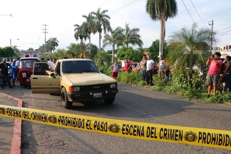 El ataque armado se registró este lunes en la zona 1 de Retalhuleu. (Foto Prensa Libre: Rolando Miranda)
