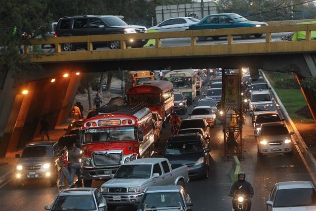 Puente Norte del anillo Periférico que conecta con Majadas será ampliado. (Foto Prensa Libre: Hemeroteca PL)