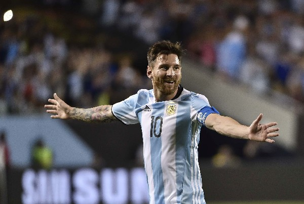 Lionel Messi festejó su triplete frente a Panamá. (Foto Prensa Libre: AFP)