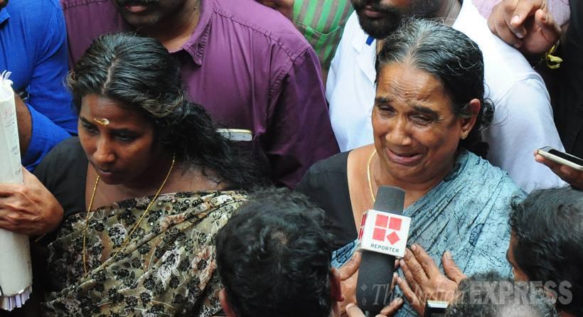Jamanthi, la esposa del fallecido ofrece declaraciones a los medios después de conocer la sentencia. (Foto: indiaexpress.com).