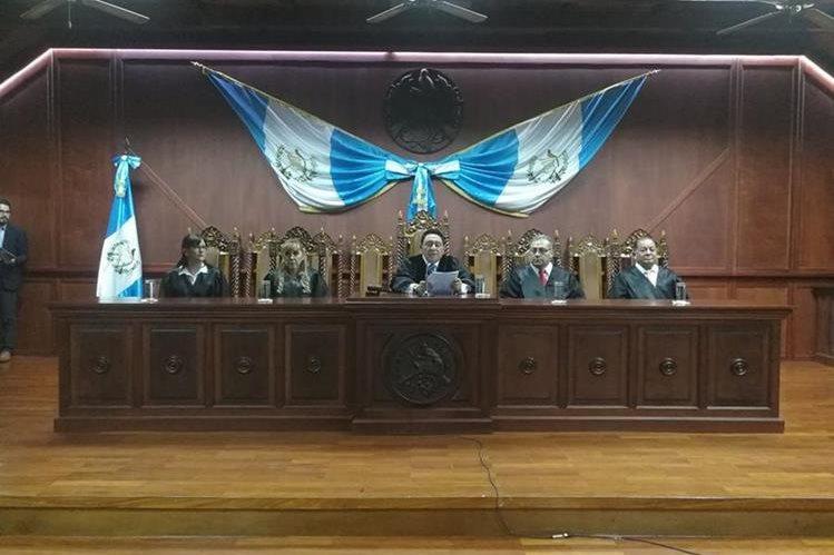 Magistrados de la Corte de Constitucionalidad en conferencia de prensa este jueves. (Foto Prensa Libre: Esbin García).