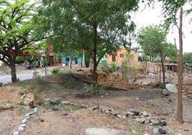Parte del área que permanece invadida en la ciudad de Chiquimula. (Foto Prensa Libre: Mario Morales).