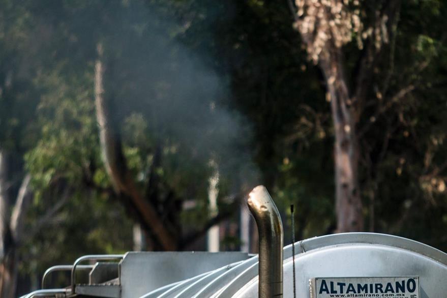 En términos globales, la contaminación recortará el producto interior bruto en un 1% para el 2060. (Foto Prensa Libre: AFP).