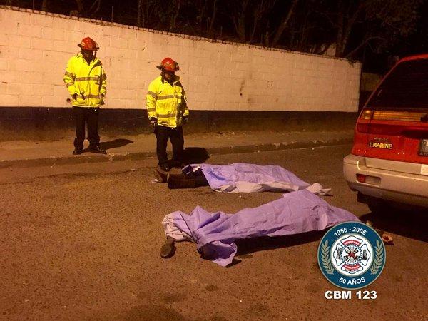 Un ataque armado en la zona 12 de Villa Nueva causó la muerte de dos mujeres. (Foto Prensa Libre: CBM)