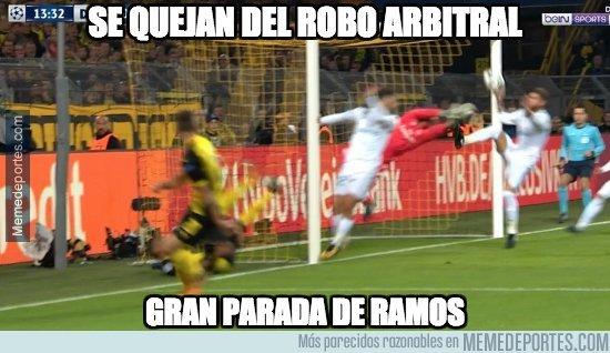 El penalti no marcado por la mano de Sergio Ramos fue lo más comentado en las redes sociales. (Foto Prensa Libre: Memedeportes)