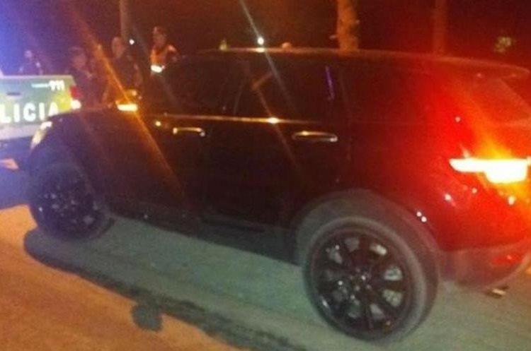 El carro del hermano de Messi, en el que no encontraron el arma, pero si droga para consumo. (Foto Prensa Libre: Twitter Minuto G)