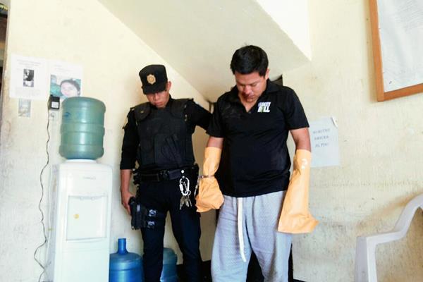 Josué Ariel Sapón fue apresado en San Lucas Sacatepéquez, sindicado de haber dado muerte a una mujer. (Foto Prensa Libre: Renato Melgar)