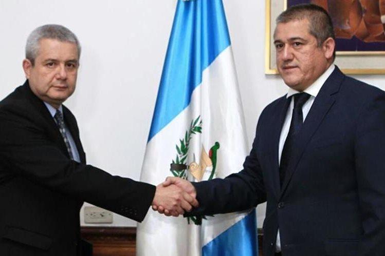 Carlos Antonio Rodas al momento de asumir el cargo. (Foto Prensa Libre: HemerotecaPL)
