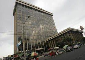 El ministerio de Finanzas se encarga de erogar los recursos estatales. (Foto Prensa Libre: Hemerotca PL)