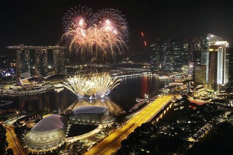 Singapur celebró la llegada del 2017. (Foto Prensa Libre: AP)