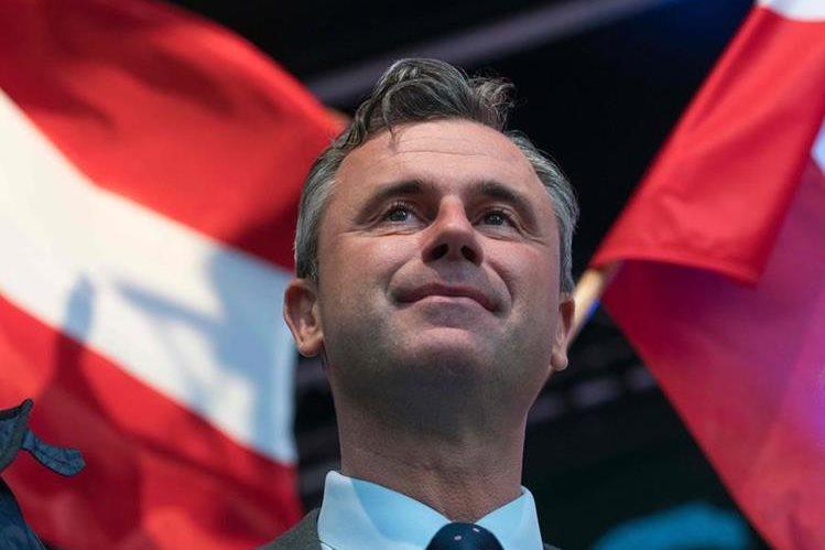 Norbert Hofer, del euroescéptico y ultraderechista Partido de la Libertad, encabeza la votación. (Foto Prensa Libre: AFP).