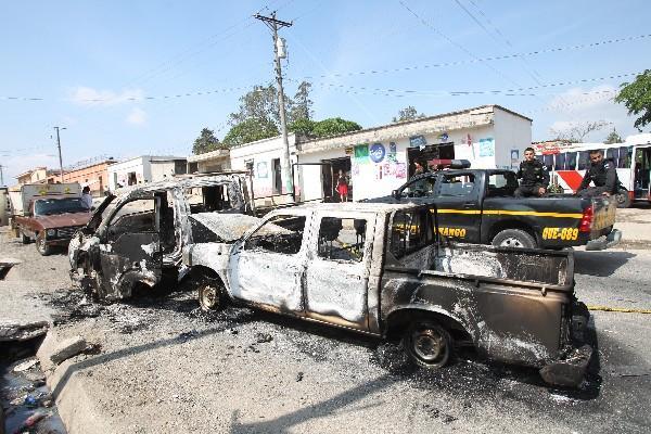 """<p>Vehículos dañados por manifestantes en Santa Rosa que se oponen a operación de mina. (Foto Prensa Libre: Archivo)<br _mce_bogus=""""1""""></p>"""