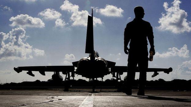 La constructora aeronáutica comercial BAE es la que fabrica el avión de combate británico Typhoon. GETTY IMAGES