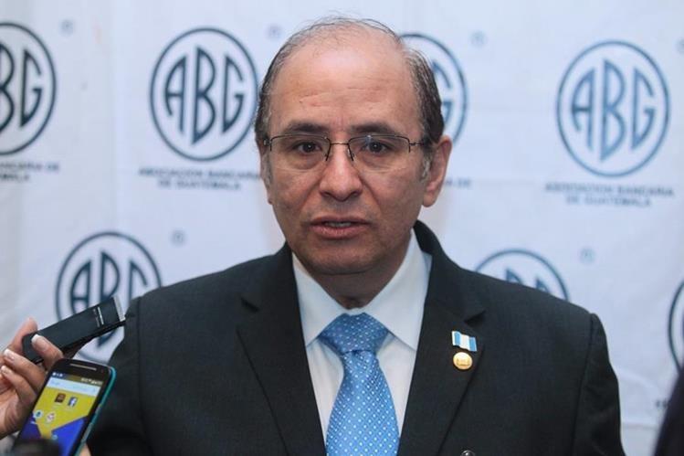 José Alejandro Arévalo, superintedente de bancos participó en la inauguración de la 5a. edición del Foro Económico Regional organizado por la Asociación Bancaria de Guatemala. (Foto Prensa Libre: Álvaro Interiano).