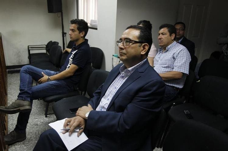 Abogado del hijo y hermano del presidente interpusieron un ampara para repetir el proceso por supuestas violaciones del debido proceso. (Foto Prensa Libre: Hemeroteca PL)