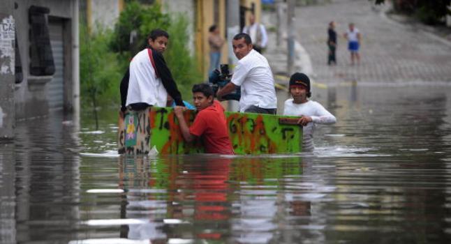 Fuerte temporal afecta a países centroamericanos (Foto Prensa Libre: AFP)