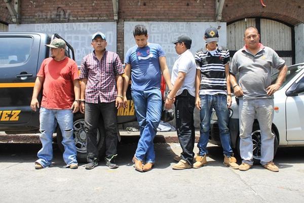 """<p>Seis presuntos integrantes de banda de secuestradores los Falsos Profetas fueron capturados en Patulul, Suchitepéquez. (Foto Prensa Libre: Enrique Paredes)<br _mce_bogus=""""1""""></p>"""