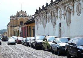 <p>Delincuencia afecta al turismo en Antigua Guatemala, ya que es a visitantes a quienes más les roban automotores. (Foto Prensa Libre: Miguel López) <br></p>