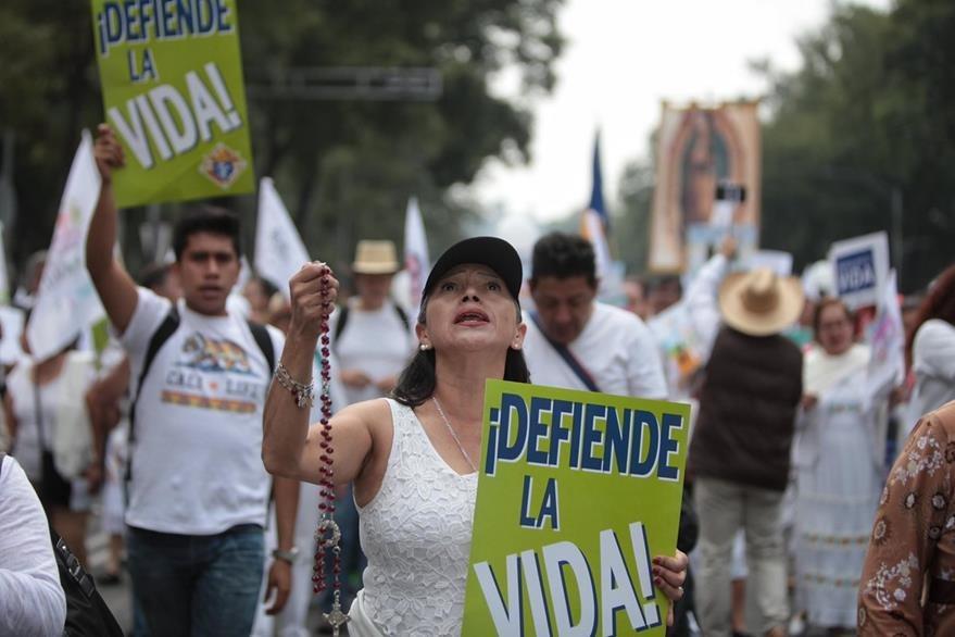 Miles protestaron en Ciudad de México el sábado en contra del matrimonio entre personas del mismo sexo. (Foto Prensa Libre: EFE).