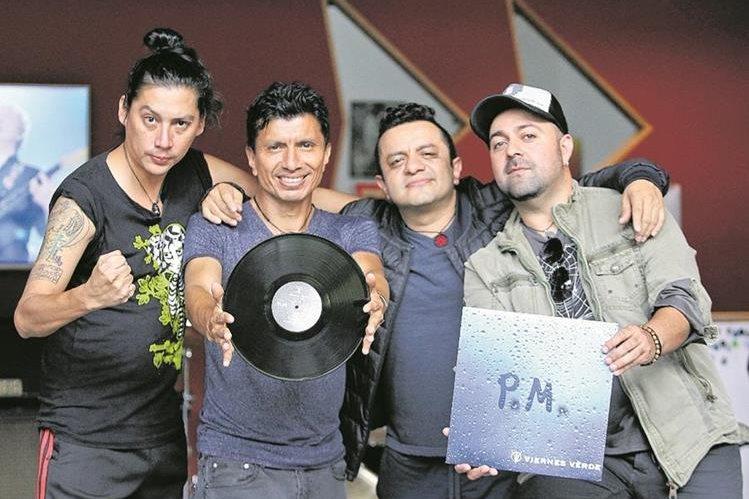 La banda Viernes Verde promociona su reciente producción discográfica. (Foto Prensa Libre: Keneth Cruz)