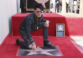 Criss Angel devela su estrella en Hollywood (Foto Prensa Libre: AP)
