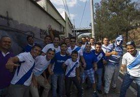 La afición confía y el tiempo corre para el duelo Guatemala - EE.UU.
