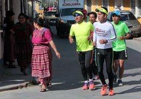 """<p>Corredores arriban a Cantel, Quetzaltenango. (Foto Prensa Libre: Carlos Ventura)<br _mce_bogus=""""1""""></p>"""