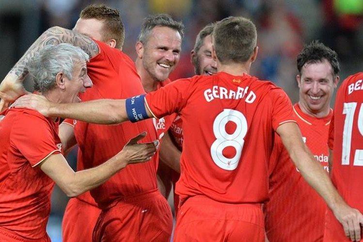 Gerrard, la última gran estrella red, enfrentará con el Liverpool a un conjunto de estrellas madridistas (Foto Prensa Libre: tomada de internet)