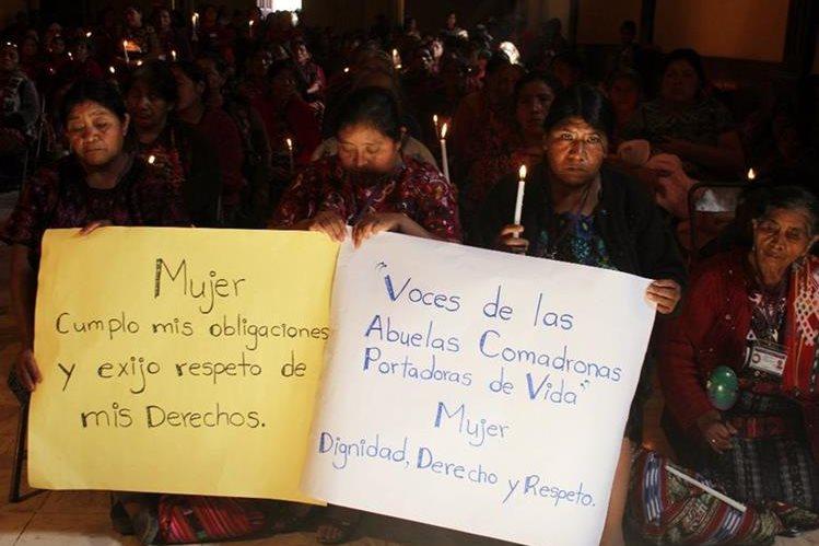 Mujeres de Chichicastenango piden que se respete a ese sector de la población. (Foto Prensa Libre: Óscar Figueroa).