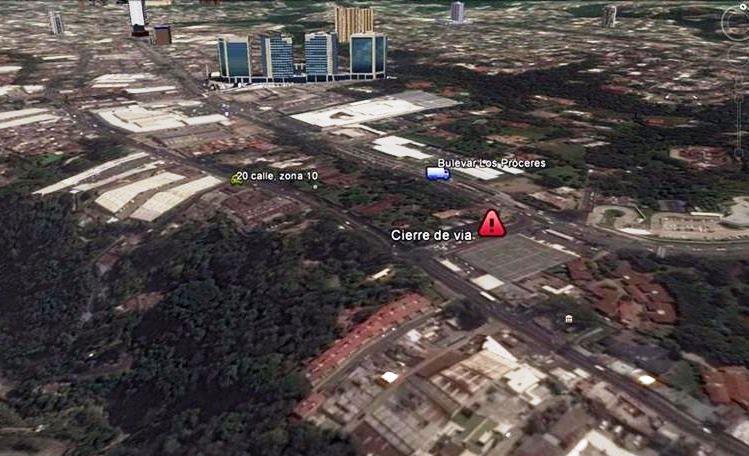 La 27 avenida de la zona 10 conecta el bulevar Los Próceres con la 20 calle. (Foto Prensa Libre: Google)