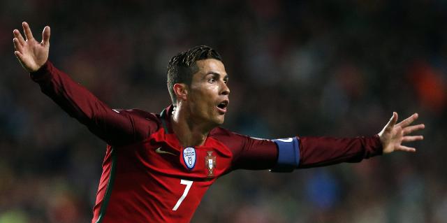 Cristiano Ronaldo ha marcado 70 goles con su selección. Hoy espera aumentar la cuota. (Foto Prensa Libre: EFE)