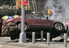 Vehículo involucrado en incidente en Nueva York. (Foto Prensa Libre: Twitter)